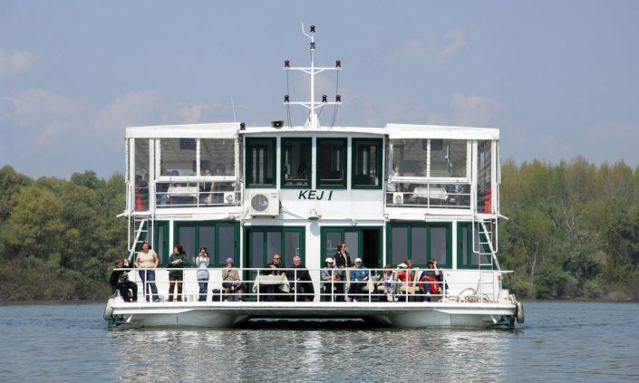 krstarenje dunavom i savom, brodovi, beograd, jahting klub kej, plovidba,vencanje na reci, sbadba na brodu