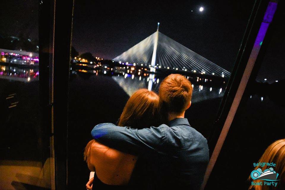 Dan zaljubljenih - Romantično krstarenje uz večeru Beograd / Romatic Valentine's Day dinner Belgrade cruise